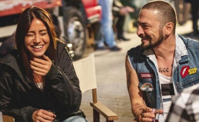 Ahmet Kural ve sevgilisinden aşk pozları