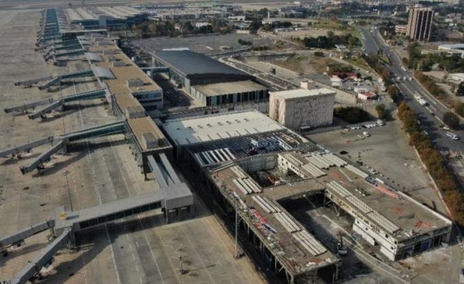 Atatürk Havalimanı'nda Kargo Bölümlerinin Yıkımına Başlandı