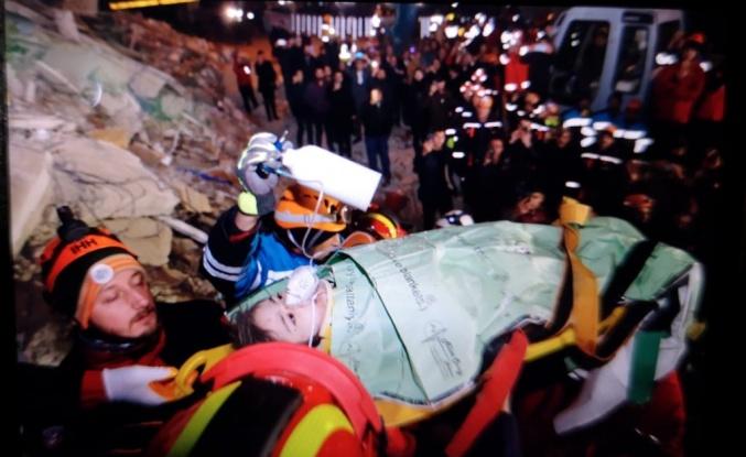 Canlı Blog | Depremden 24 Saat Sonra Enkaz Altından Bir Çocuk Kurtarıldı