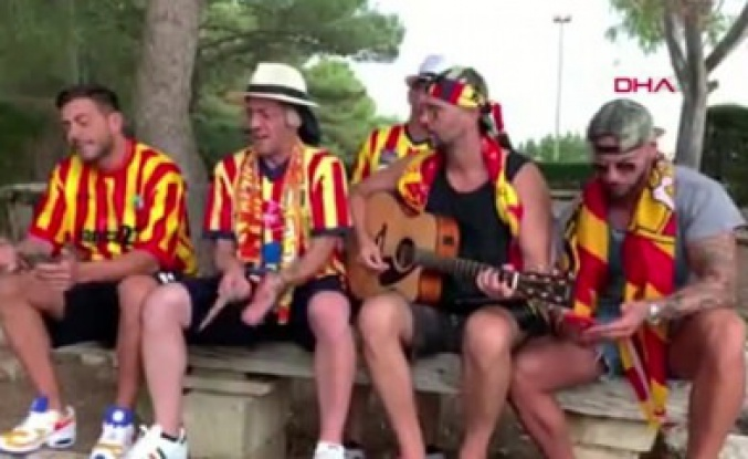 Lecce taraftarlarından Burak Yılmaz'a beste!