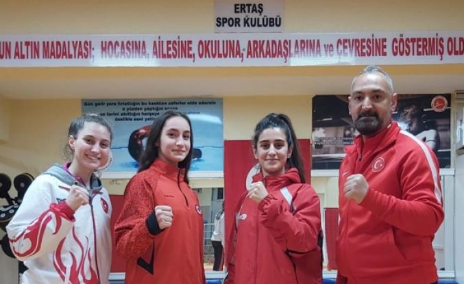 Milli kick boksçular Avrupa kupası için yola çıktı